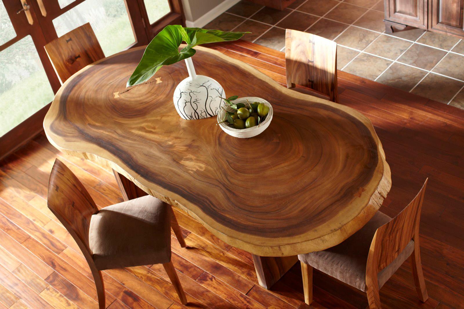 Стіл з натурального дерева: мінімалізм в інтер'єрі кухні