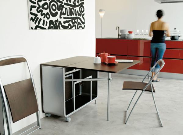 Розкладний стіл в інтер'єрі сучасної кухні