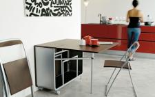 раскладной стол в кухонном интерьере